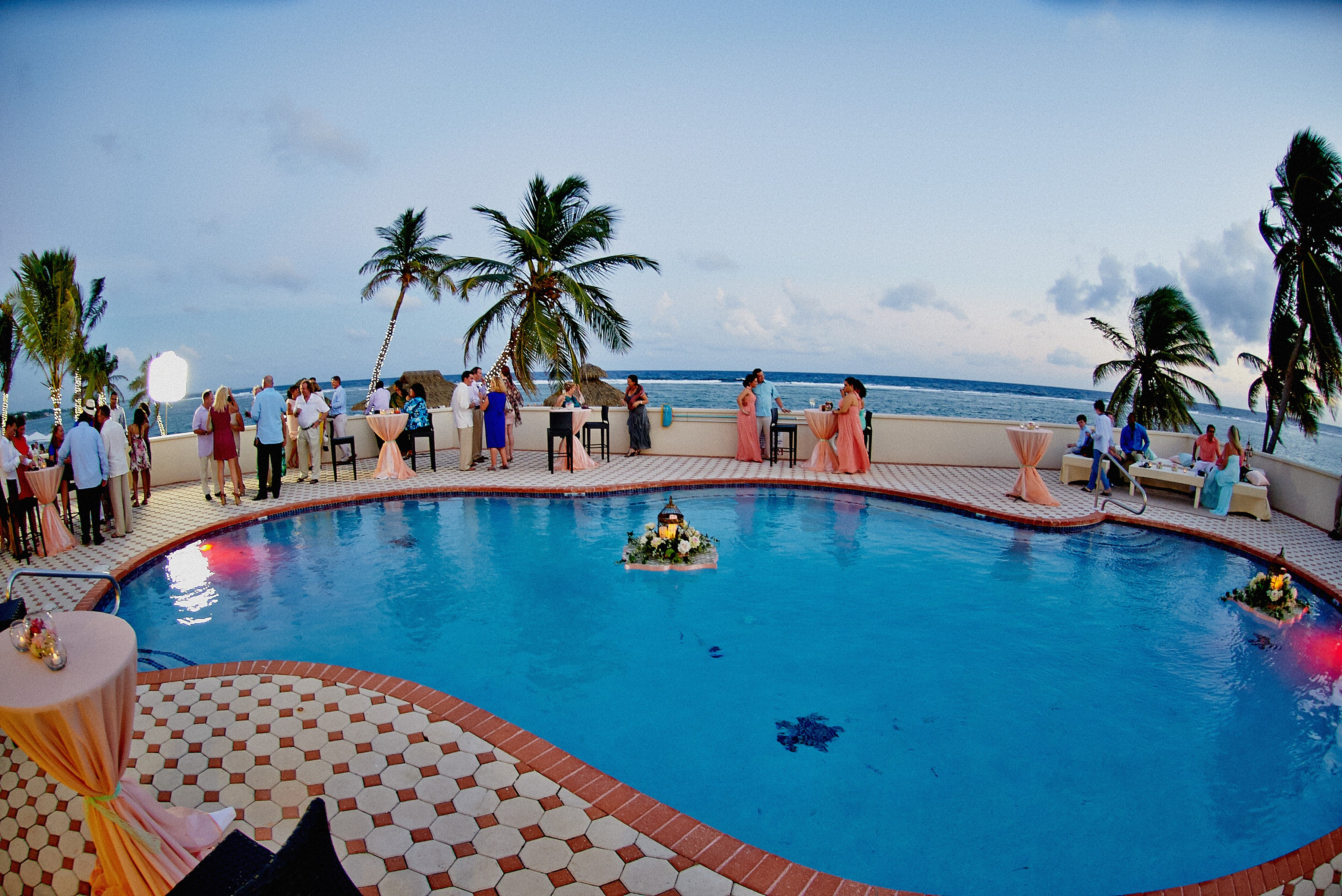 Five star events photo gallery kadi damian the white for Terrace pool